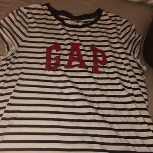 "blue and white stripped shirt with red ""gap"""